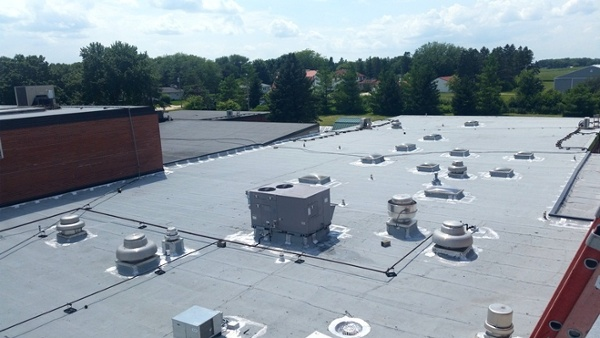 Eagle_Grove_Schools_2014_Roofing.jpg